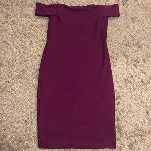 Off the shoulder dress (magenta)